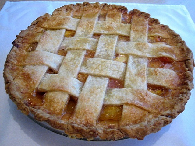RECIPE: FRESH PEACH PIE