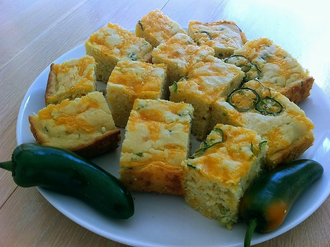This one bowl jalapeno cheddar cornbread is an easy, less mess, one ...